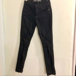 Old Navy Black Distressed Skinny Jeans (Mid-rise)